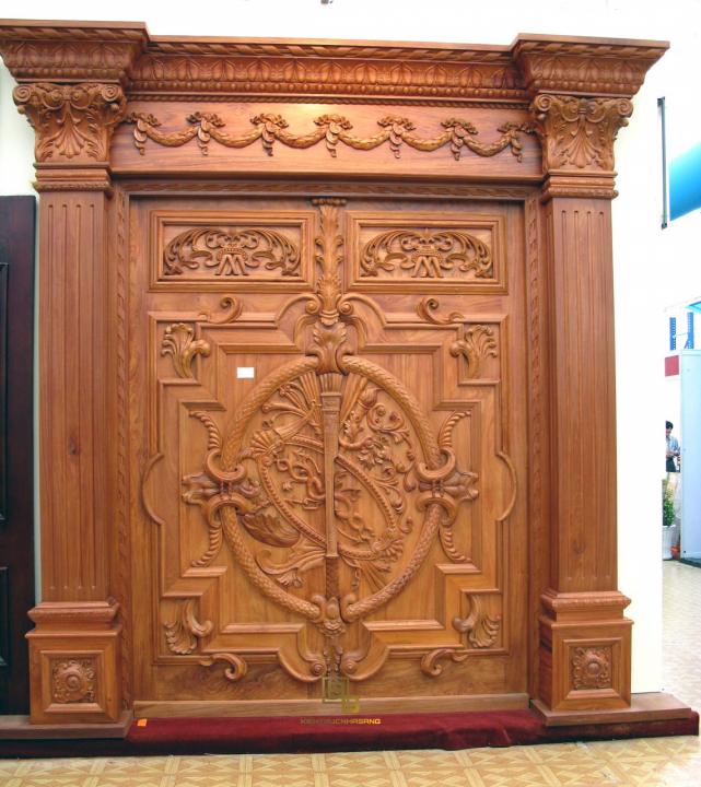 Mẫu cửa gỗ lim đẹp
